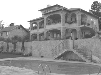 Porodična kuća